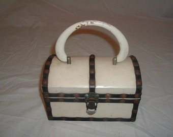 1968 ROYAL LONDON LTD  box purse / keepsake box
