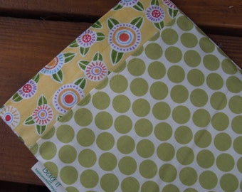 Reusable sandwich bag - Reuse sandwich bag - Fabric sandwich bag - Flowers, circles and lime moon dots