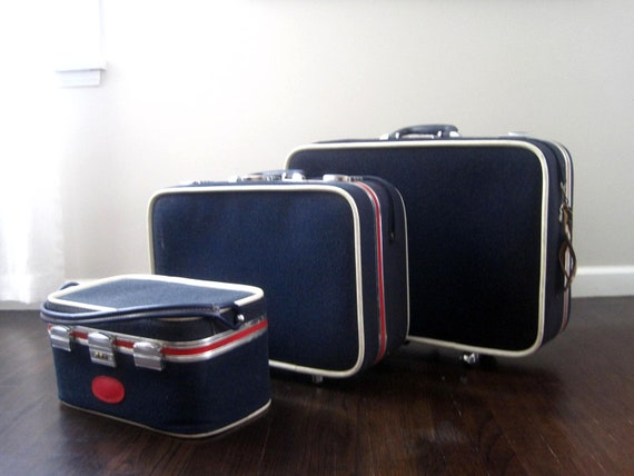 Vintage Modern Red White and Blue Skyway Luggage Set of 3