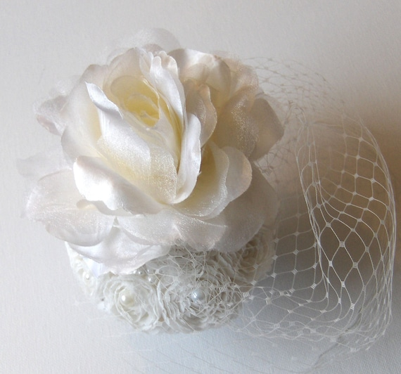 Ivory bridal wedding fascinator.
