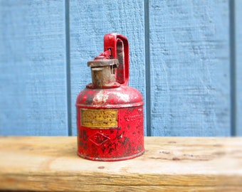 Antique Red Metal Oil Can Justrite  Mfg Company Chicago Justrite Safety Can
