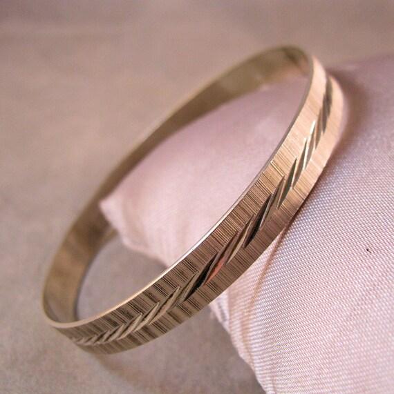 1960s Mexican Sterling Silver Bangle Bracelet Diamond Cut Signed Eagle Mark