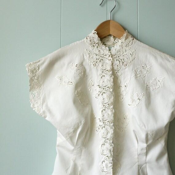 50s Vintage blouse.  Embroidered Lace cutout.  Cotton summer blouse.