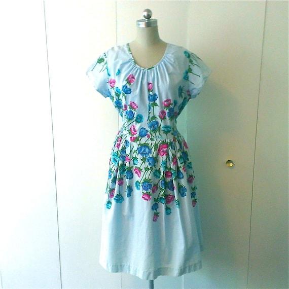 Vintage 1950's Cotton Print Dress. Wraps in Back.