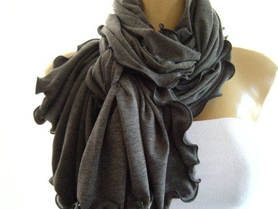 Heathered Dark Gray...Neck Rag with Charcoal Trimming....Soft European winter knit...Globetrotter..