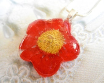 Vivid Red Daisy Glass Flower Shaped Pressed Flower Pendant-Symbolizes Passion, Innocence, Loyal Love-Gifts Under 25