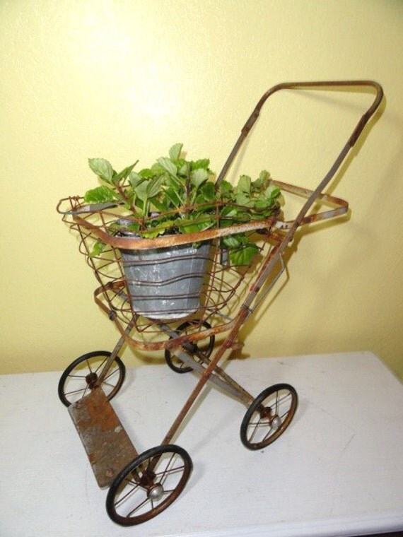 vintage garden plant stand metal wire basket on wheels. Black Bedroom Furniture Sets. Home Design Ideas