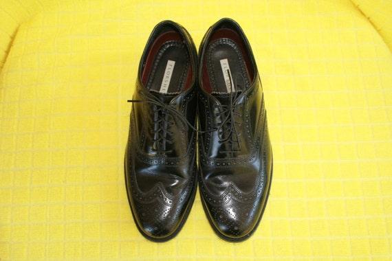 Vintage FLORSHEIM Wingtips Mens Size 9 Black Leather