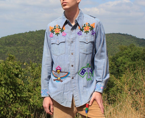 Vintage 60s 70s Hippie Mexican Shirt with Hand Embroidered Ethnic and Tribal Images . Size Large