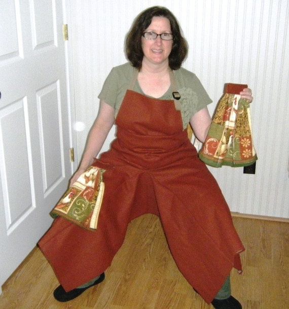 Pottery Apron in Heavy Duty Rust Material with Rooster Towels