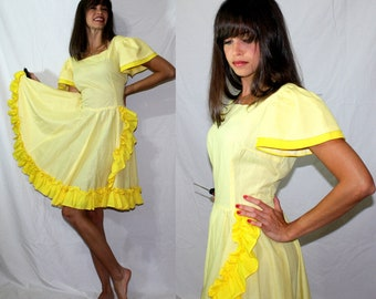 Vintage yellow dress big sleeve full wide skirt light polka dot frills square dance S 70's