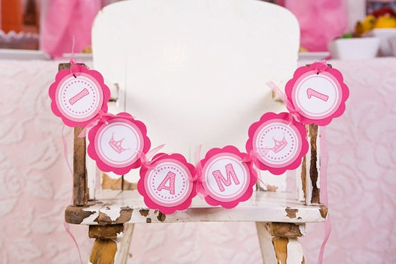 "First Birthday Banner - Pink Princess Theme ""I AM 1"" Mini Banner"