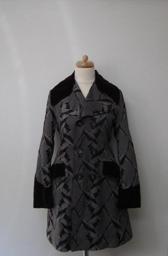 Vintage Abstract Geometric Jersey Coat w/ Velvet Trim