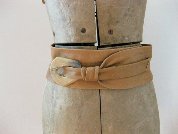 80s caramel leather wrap waist belt // medium // large