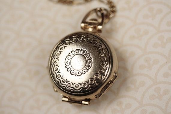 Gold Coro Multiple Photo Locket, Unique Pendant, Vintage Necklace, Four 4 Picture Frames, Simple, Long Chain