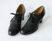 Vintage 1940s WW II Oxford Heels Size 6 Black Leather