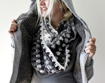 Infinity Scarf, Womens Winter Scarf, Grey White Ombre, Chunky Knit Scarf, Oversized Chunky Crochet Scarf, Gift for Her, Infinity Scarf