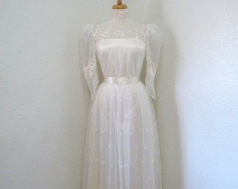 50s Lace wedding dress Wedding dress, Embroidered floral dress