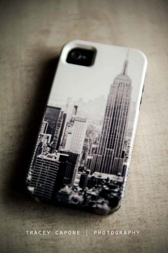 iPhone 4 case - New York City print, urban iPhone case - The City - black and white, urban print, NYC design, iPhone 4 and 4s