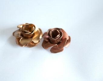 6 L ROSES,3 COPPER 3 BRASS Vintage nos