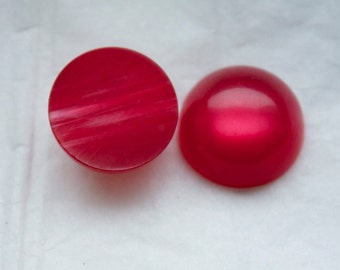 10 Red Lucite Cabochons Vintage 1950s  Moon Glow Cherry Red Lucite Cabochons / 10 pieces of Vintage 18mm Cabochons