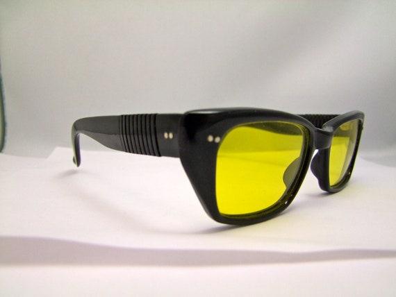 RARE  1950s 60s SUNGLASSES  Black  Night vision driver lenses