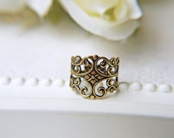 Antique Gold Filigree Ring Victorian Style Nickel And Lead Free Brass Ring For Sensitive Skin