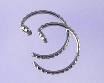 KISS2: Tiny patterned pseudo-sleeper niobium earrings