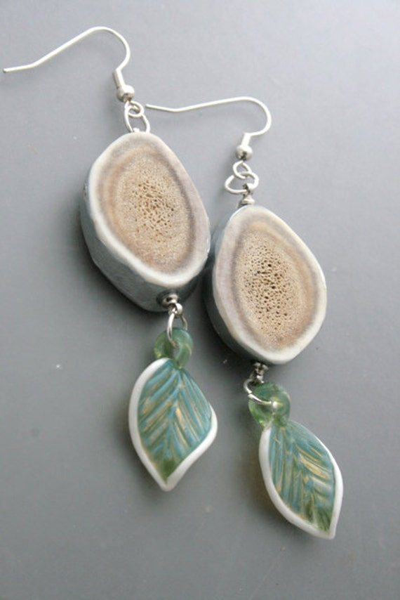 Heart song - caribou antler and handmade glass drops earrings