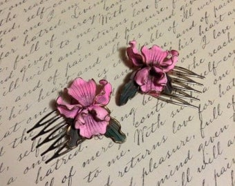 Vintage Pink Resin Orchids Upcycled hair Combs, wedding, shabby chic,bride