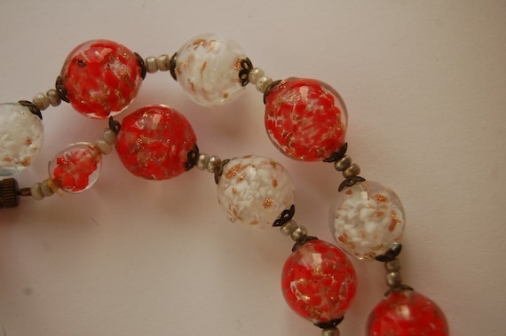 Necklace 50s original  with Venetian glass beads Red & White