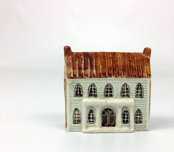 Vintage miniature ceramic house made in England for Keller Charles