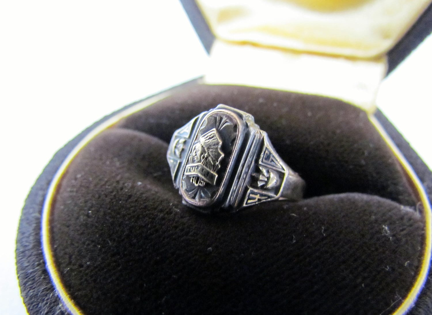 vintage 1946 class ring tulare union high school indians