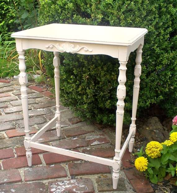 shabby chic table    vintage pink  furniture