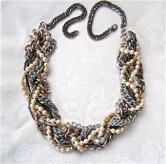 Mixed Metal Pearl & Rhinestone Twisted Chunky Chains Adjustable Necklace - Heavy Metal Music To My Eyes Necklace