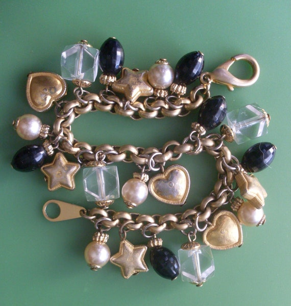 Italian bracelet, Vintage 1970 - with 22 charms - deliciously feminine -Art.634 -