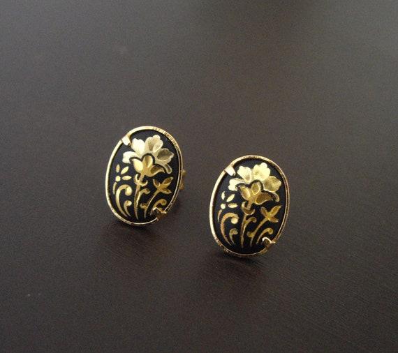 Petite Vintage Damascene Earrings-Black Earrings-Flower Earrings-Gold Earrings