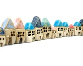 Spring decoration Home and living decoration Miniature houses  A  tiny rustic ceramic 3 beach cottages set  - Home decoration Collectibles