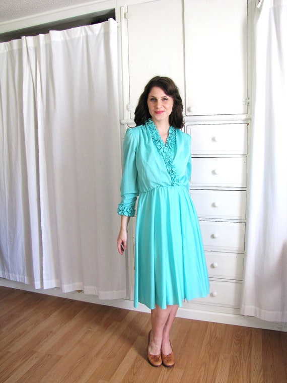 Seafoam Dress / Ruffle Dress / 70s Secretary Dress