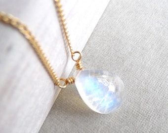 Rainbow Moonstone Necklace, Smooth Rainbow Moonstone Gemstone Pendant, Simple Moonstone Necklace, Moonstone Gold Necklace, Karina Grace