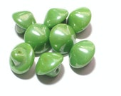 8 Green 9mm Vintage Glass Buttons Jewelry Sewing Buttons with shanks