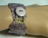 Light Amethyst Peyote Scalloped Bracelet