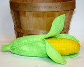 Felt Food Corn on the Cob Removable Husk - Childrens Play Food Vegetable