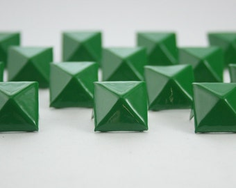 50 pcs. Green Pyramid Stud Biker Spikes spots nailheads 14 mm.