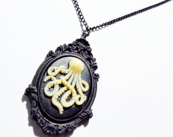 Necklace-Resin Octopus Cameo Includes Pendant, Gunmetal Chain and giftbox