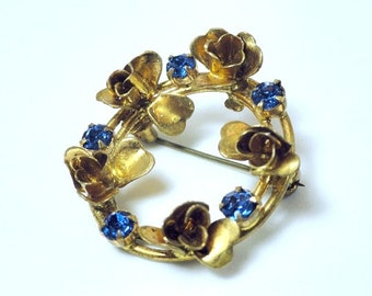 Austrian Wreath Brooch with Gold Roses and Brilliant Blue Crystals//Vintage Pin//Vintage Jewelry