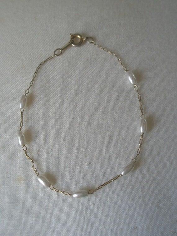 Vintage Fresh Water White Pearls Gold Bracelet