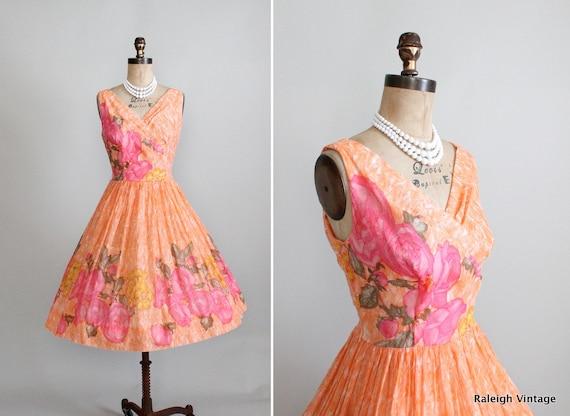 Vintage 1950s Dress : 50s Peach Floral Sundress
