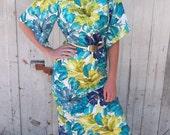 Vintage 1950s Hawaiian Dress Blue Floral  Large