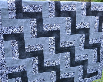 Black, Grey and White Rail Quilt with pillow